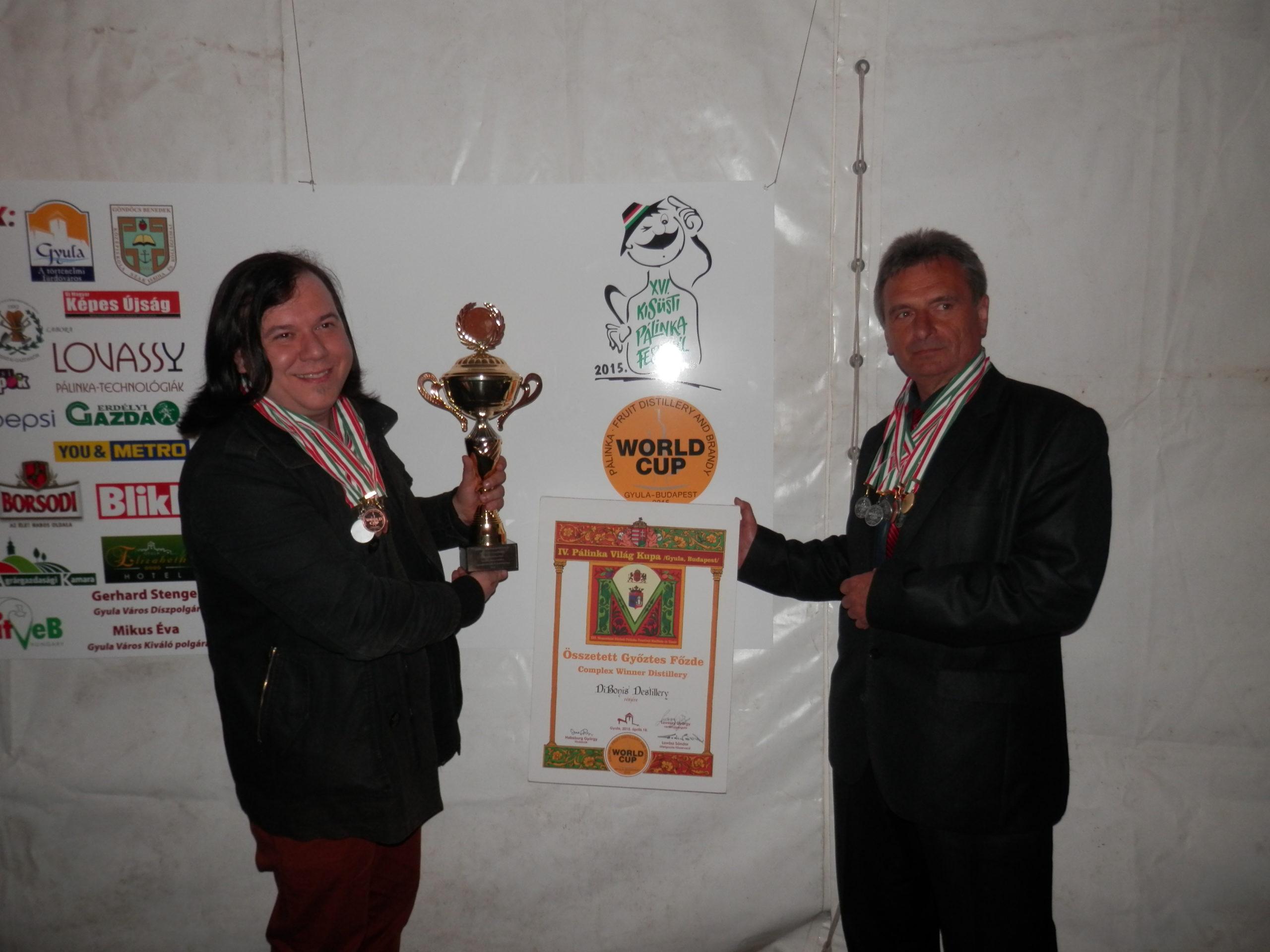 Dodela pobedničkog pehara DiBonis Winery za osvojen svetski Kup Rakija